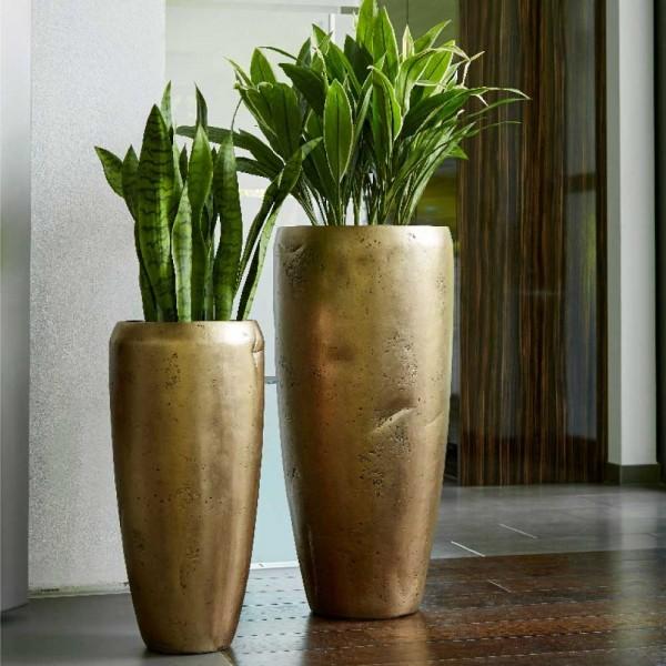 Vase Atlas in goldfarbigen Design Glasfaservase Atlas